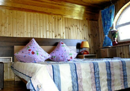 """Для отдыха гостей после на территории рыболовной базы  """"Дарданеллы """" расположен большой 2-этажный коттедж..."""